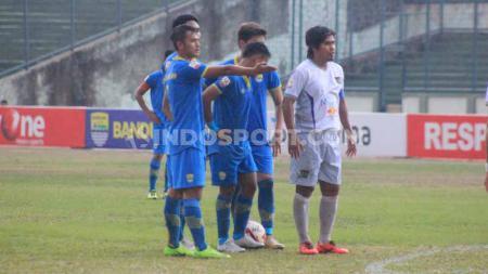 Laga antara Blitar Bandung United versus Persita Tangerang pada pertandingan Liga 2 2019 di Stadion Siliwangi, Kota Bandung, Kamis (17/10/2019). - INDOSPORT