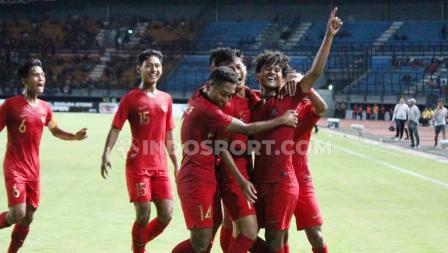 Timnas Indonesia U-19 berhasil meraih kemenangan 3-1 atas China dalam laga uji coba di Stadion Gelora Bung Tomo.
