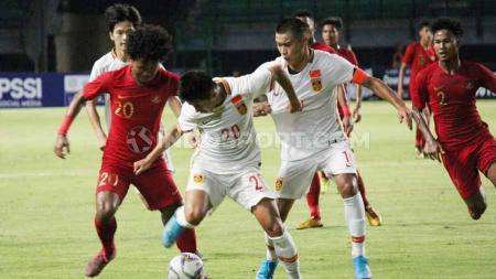 Laga Timnas Indonesia U-19 versus China U-19 di Stadion Gelora Bung Tomo, Surabaya, Kamis (17/10/19). - INDOSPORT