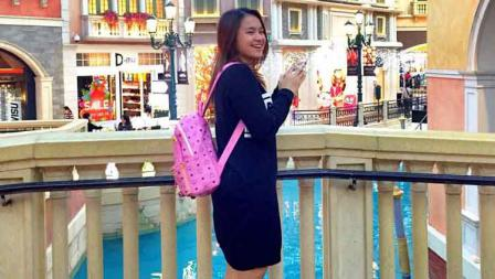 Melati Daeva Oktavianti saat berliburan di Venetian Macao, China.