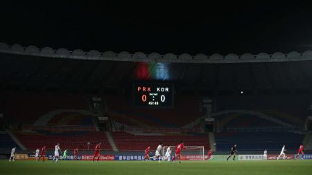 Kondisi Stadion Kim Il Sung yang sepi di laga kualifikasi Piala Dunia 2020 antara Korea Utara vs Korea Selatan - INDOSPORT
