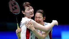Indosport - Pasangan Jepang Mayu Matsumoto/Wakana Nagahara saat melakukan selebrasi.