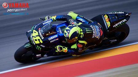 Valentino Rossi dalam lintasan balap MotoGP. - INDOSPORT