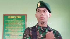 Indosport - Fachri Firmansyah, penggawa Timnas yang ditelantarkan PSSI, satpam viral dan kini prajurit gagah.