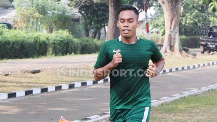 Fachri Firmansyah, penggawa Timnas yang ditelantarkan PSSI, satpam viral dan kini prajurit gagah. Copyright: Zainal Hasan/INDOSPORT