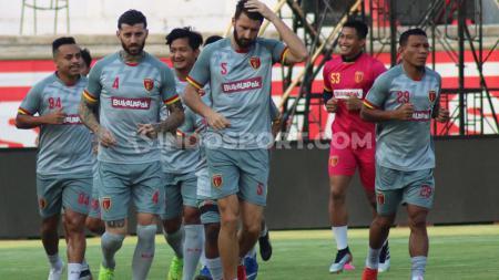Sedikitnya 3 pemain Perseru Badak Lampung FC dapat digaet oleh tim-tim Liga 1 jelang musim 2020, usai Laskar Saburai degradasi. - INDOSPORT