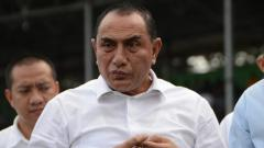 Indosport - Edy Rahmayadi, turut hadir menyaksikan laga penentuan Grup Wilayah Barat antara PSMS Medan melawan Aceh Babel United, Senin (21/10/19).