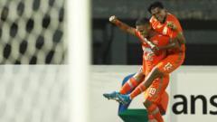 Indosport - Borneo FC siap memperpanjang rekor tak terkalahkannya menjadi sepuluh laga kala melawan Barito Putera di ajang Shopee Liga 1, Kamis (31/10/19).