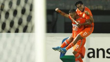 Pemain Borneo FC, Renan Silva berselebrasi usai mencetak gol ke gawang Kalteng Putra beberapa pekan lalu. - INDOSPORT