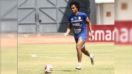 Pemain PSIM Yogyakarta Achmad Hisyam Tolle. - INDOSPORT