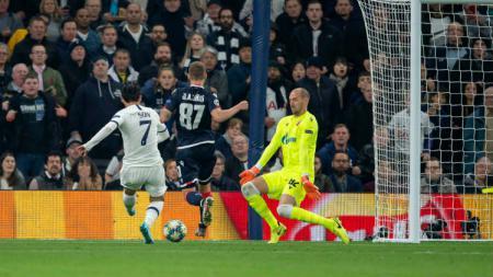 Pemain Tottenham Hotspur, Son Heung-min, mencetak dua gol ke gawang Red Star Belgrade pada partai ketiga Grup B Liga Champions, Rabu (23/10/19). - INDOSPORT