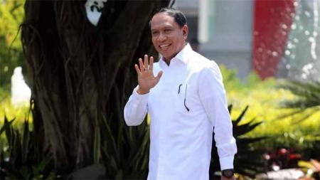 Calon kuat Menpora, Zainuddin Amali saat datang ke Istana Negara, Selasa (22/10/19). - INDOSPORT