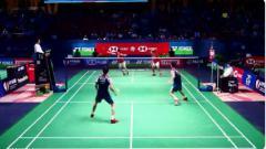 Indosport - Pebulutangkis ganda putra Indonesia, Kevin Sanjaya, kembali memperlihatkan aksi tengil di French Open 2019 saat menghadapi wakil China, Di Zi Jian/Wang Chan.