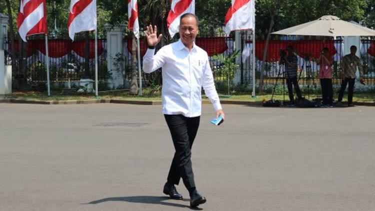 Menteri Perindustrian Agus Gumiwang Kartasasmita adalah seorang penggemar Arsenal. Copyright: Desca Lidya Natalia/Antara Foto
