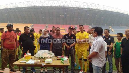 Tim kebanggaan Sumatera Selatan, Sriwijaya FC, merayakan ulang tahun ke-15 pada 15 Oktober 2019. Sejumlah legenda dan eks pemain pun menyampaikan kata selamat. - INDOSPORT