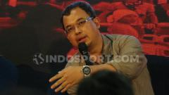 Indosport - Vijaya Fitriyasa saat menghadiri diskusi PSSI harus baik jilid 2 di gedung Jawa Pos, Rabu (23/10/19).