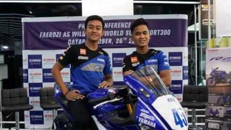 Pembalap Yamaha Racing Indonesia, Galang Hendra Pratama dan Muhammad Faerozi, siap tampil maksimal di World SSP300. - INDOSPORT