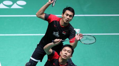 Mohammad Ahsan/Hendra Setiawan sukses balas dendam mengalahkan Zhang Nan/Ou Xuan Yi cukup mudah, skor akhir 21-19, 24-22 di Malaysia Masters 2020. - INDOSPORT