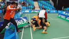 Indosport - Pasangan Thailand Bodin Issara/Maneepong Jongjit sempat adu jotos.