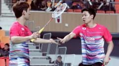 Indosport - Pasangan ganda putra Jepang, Hiroyuki Endo/Yuta Watanabe, harus kembali menelan hasil buruk di Hong Kong Open 2019 setelah kalah dari 'tukang pel'.