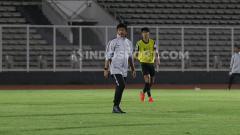 Indosport - Indra Sjafri digadang-gadang bisa menjadi pelatih Timnas Indonesia senior.