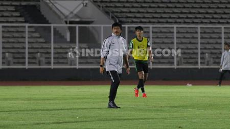 Pelatih Timnas Indonesia U-23, Indra Sjafri, mencoret Beto Goncalves dan Manahati Lestusen untuk SEA Games 2019. - INDOSPORT