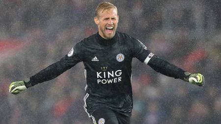 Anak kiper legendaris dan juga kiper Leicester City, Kasper Schmeichel siap lakukan apa saja demi gabung Manchester United. - INDOSPORT