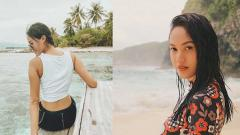 Indosport - Aktris cantik Della Dartyan gemar berolahraga.