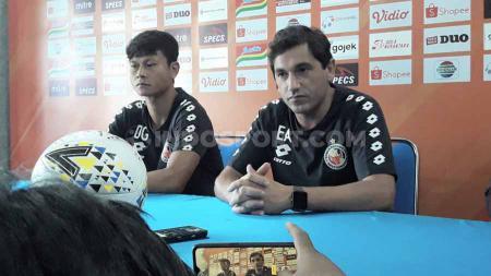 Eks Pelatih Semen Padang, Eduardo Almeida (kanan) dirumorkan sedang dikaitkan dengan Arema FC. - INDOSPORT