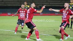 Indosport - Bali United akan menjalani pertandingan melawan Persipura Jayapura di lanjutan Shopee Liga 1 2019.