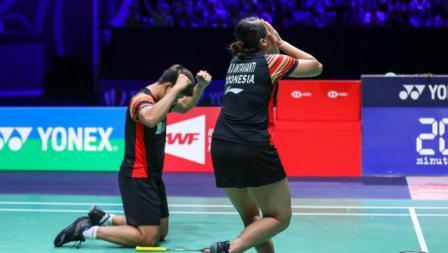 Melati Daeva Oktavianti yang baru berulang tahun ke-24 tampak menangis setelah menjadi juara French Open 2019.