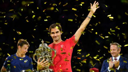 Roger Federer memenangkan Swiss Indoors Basel. - INDOSPORT