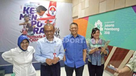 PSSI memastikan akan membentuk tim khusus untuk persiapan Piala Dunia U-20 2021. Hal itu disampaikan oleh Sekjen PSSI, Ratu Tisha saat bertemu dengan pihak Kemenpora pada Selasa (29/10/19) di Jakarta. - INDOSPORT