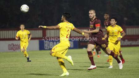 Laga pertandingan antara Bhayangkara FC vs PSM Makassar di Liga 1, Selasa (29/10/19). - INDOSPORT