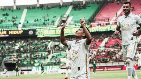 Gelandang PSS Sleman, Jefri Kurniawan melihat ada plus minus dari keputusan berlanjutnya kompetisi Liga 1 2020 musim ini. - INDOSPORT