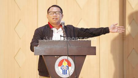 Fary Djemy Francia saat menyampaikan vis dan misi pada acara diskusi 'Mencari Ketum PSSI Ideal' di Wisma Kemenpora, Rabu (30/10/19). - INDOSPORT