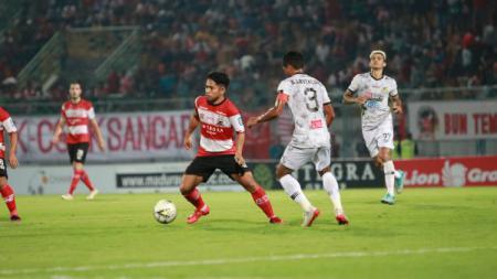 Gelandang serang Madura United, Andik Vermansah berharap Bali United terpeleset dari puncak klasemen sementara Shopee Liga 1 Indonesia 2019. - INDOSPORT