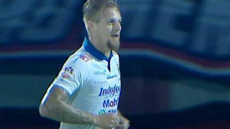 Esk pemain Persib Bandung, Kevin van Kippersluis, didepak klub kasta kedua Liga Spanyol setelah hanya menjalani dua laga. - INDOSPORT