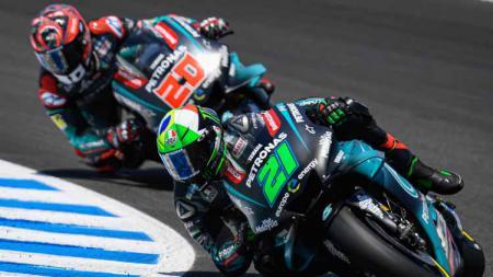 Fabio Quartararo (nomor 20) menyebut musuh terberatnya di MotoGP Valencia 2019 nanti adalah Jack Miller. - INDOSPORT