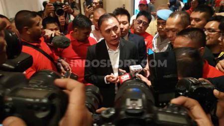Usai terpilih menjadi Ketua Umum PSSI 2019-2023, Mochamad Iriawan atau yang kerap disapa Iwan Bule pun sudah mempersiapkan langkah-langkah apa saja yang akan ia lakukan dalam waktu dekat. - INDOSPORT