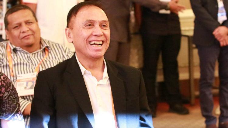 Mochamad Iriawan alias Iwan Bule resmi terpilih sebagai Ketua Umum PSSI periode 2019-2023 sesuai hasil Kongres Luar Biasa (KLB) Pemilihan di Hotel Shangri-La, Jakarta, Sabtu (2/11/19). Copyright: Media PSSI