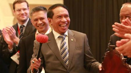 Menpora Zainudin Amali, menyampaikan dukungannya kepada Persatuan Renang Seluruh Indonesia (PRSI) agar Indonesia bisa menjadi tuan rumah Kejuaraan Dunia FINA. - INDOSPORT
