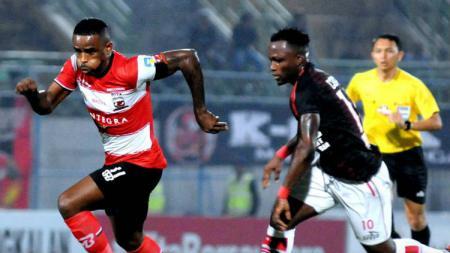 Laga Liga 1 Madura United vs Persipura Jayapura. - INDOSPORT