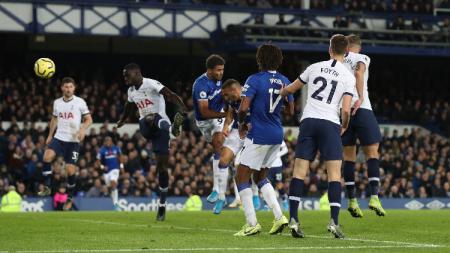 Hasil pertandingan pekan ke-11 Liga Inggris antara Everton vs Tottenham Hotspur di Stadion Goodison Park, Senin (11/04/19), berakhir dengan skor imbang 1-1. - INDOSPORT