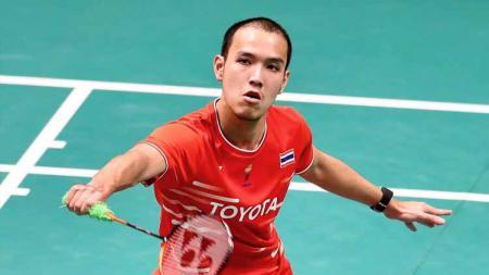 Mantan musuh Shesar Hiren Rusthavito, Sitthikom Thammasin, menjadi juara tunggal putra Macau Open 2019 usai mengalahkan Shi Yu Qi lewat skor tak masuk akal. - INDOSPORT