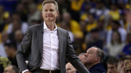 Steve Kerr, pelatih Golden State Warriors mencatatkan rekor kekalahan terburuk sepanjang karir kepelatihannya di NBA. - INDOSPORT