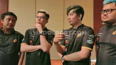 Indosport - Tim eSports Rex Regum Qeon (RRQ) Endeavour resmi mengumumkan kepindahan mereka dari divisi Point Blank menuju game anyar, Call of Duty (CoD) Mobile.