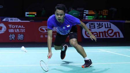 Anthony Sinisuka Ginting harus takluk di babak final dari wakil tuan rumah, Lee Cheuk Yiu, secara rubber di Hong Kong Open 2019 - INDOSPORT
