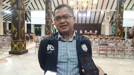 Ketua Panpel Arema FC, Abdul Haris, menjelang laga Liga 1 Putri. - INDOSPORT
