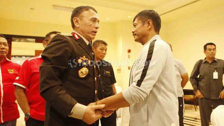 Pasca meraih medali perak SEA Games 2019, Mochamad Iriawan atau Iwan Bule selaku Ketum PSSI akan mengistirahatkan Indra Sjafri dari Timnas Indonesia U-23. - INDOSPORT